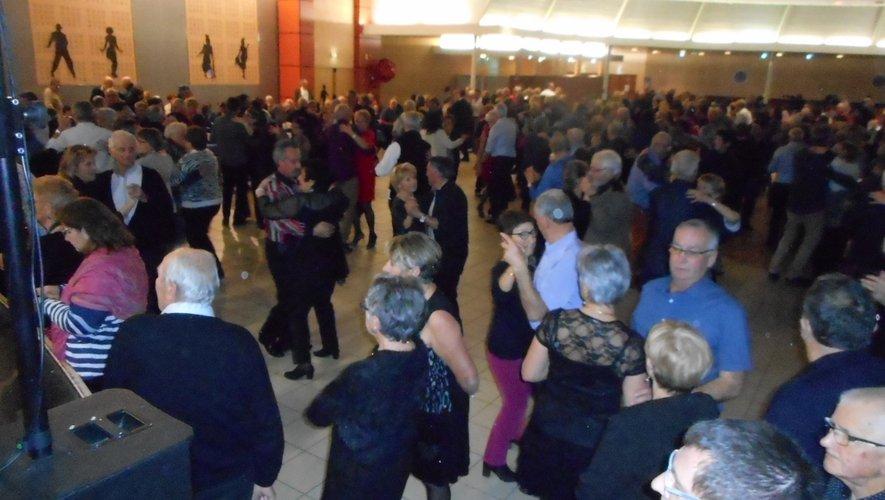 Les danses se sont succédé dans la grande salle du Laminoir.