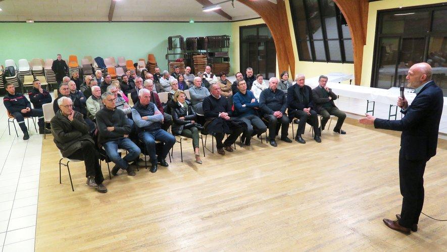 L'auditoire attentif aux proposde Stéphane Mazars.