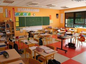 Des écoles risquent de perdre un enseignant à la rentrée.