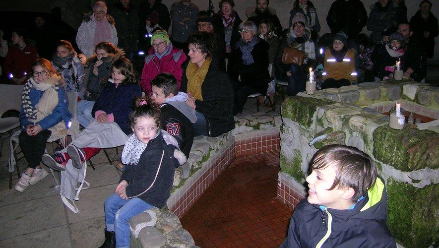 Un public attentif sur la terrasse du Vieux Palais.