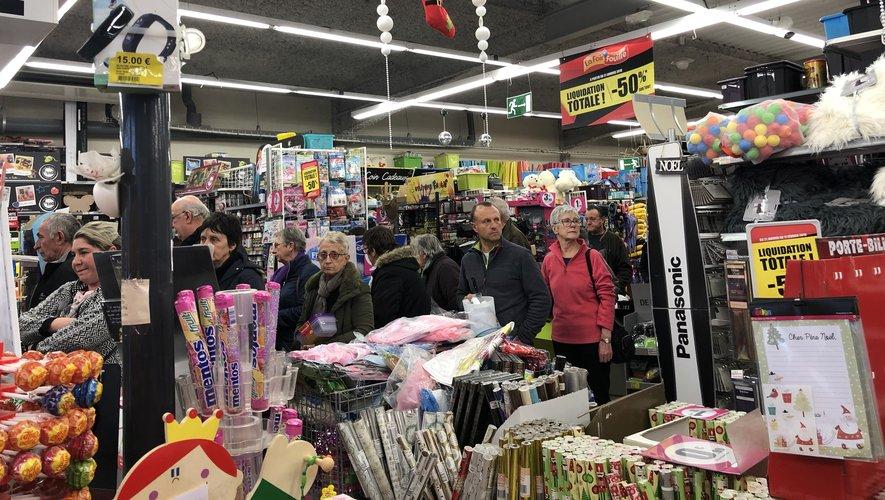 Il y a foule à La Foirfouille,sur la route de Montauban, pour sa liquidation totale.