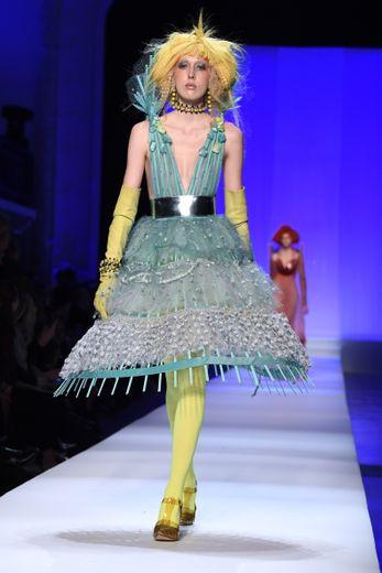 Jean Paul Gaultier puise son inspiration dans les fonds marins avec des couleurs, des coupes et des détails dédiés pour la saison printemps-été 2019. Paris, le 23 janvier 2019.