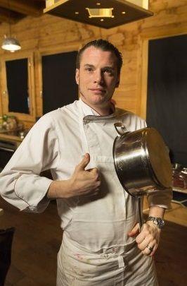 Norbert Tarayre qui présente toujours des émissions culinaires pour le groupe M6 s'est lancé dans une carrière de comédien de théâtre