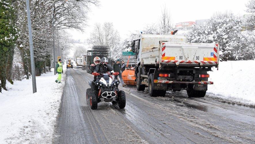 Prudence sur les routes aveyronnaises mardi en fin d'après-midi et dans la nuit de mardi à mercredi car de nouvelles importantes chutes de neige sont attendues.