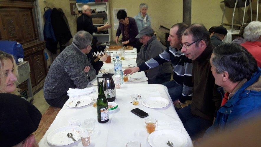À La Loubière comme à Ortholès la galette réunit.