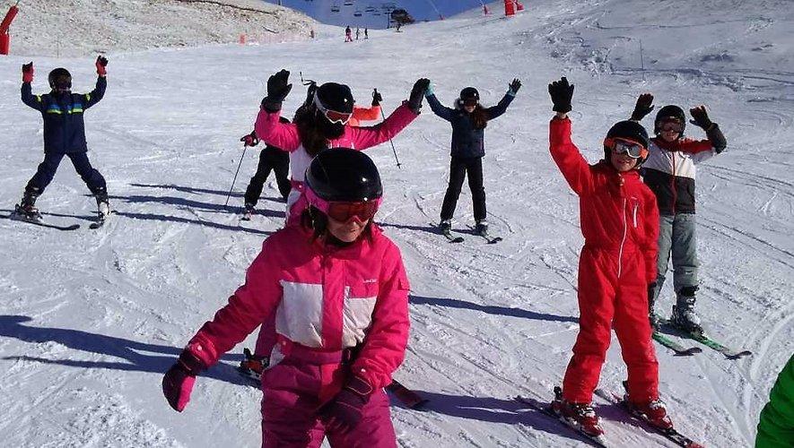 Les collégiens font du ski à Saint-Lary