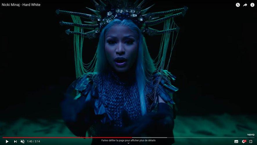 """Nicki Minaj dans le clip de """"Hard White"""", extrait de l'album """"Queen"""" sorti en août dernier"""