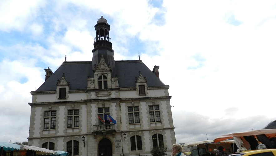 La mairie de Decazeville est située place Decazes./Photo DDM, archives
