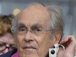 """Au cours d'une carrière de plus de 50 ans qui lui a valu une renommée mondiale, Michel Legrand a été trois fois oscarisé: pour la chanson """"Les Moulins de mon cœur"""" créée pour """"L'affaire Thomas Crown"""" en 1969, et les bandes originales d'""""Un été 4"""