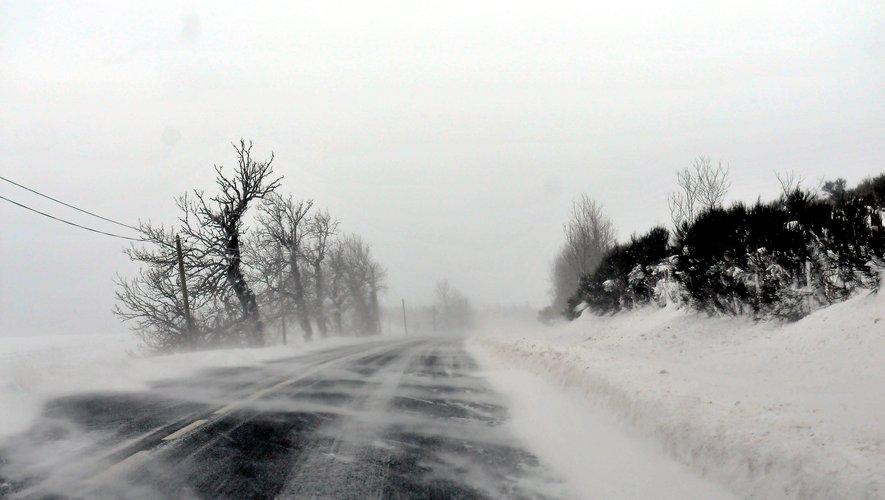 La conjugaison de la neige et du vent a abouti à la formation de congères sur le Lévezou.