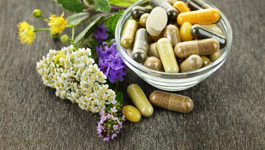 Certains compléments alimentaires à base de plantes ont des effets proches des médicaments sans être aussi bien encadrés, s'est alarmée l'Académie de pharmacie