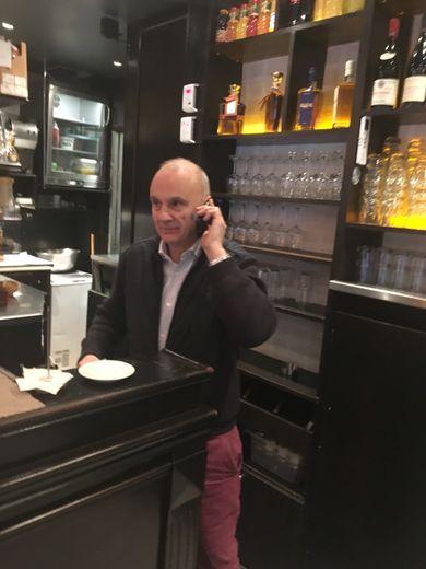 Originaire de Banhars, près d'Entraygues-sur-Truyère, Alain Marcillac est installé à Paris mais il continue à répondre à l'appel de son Aveyron natal.