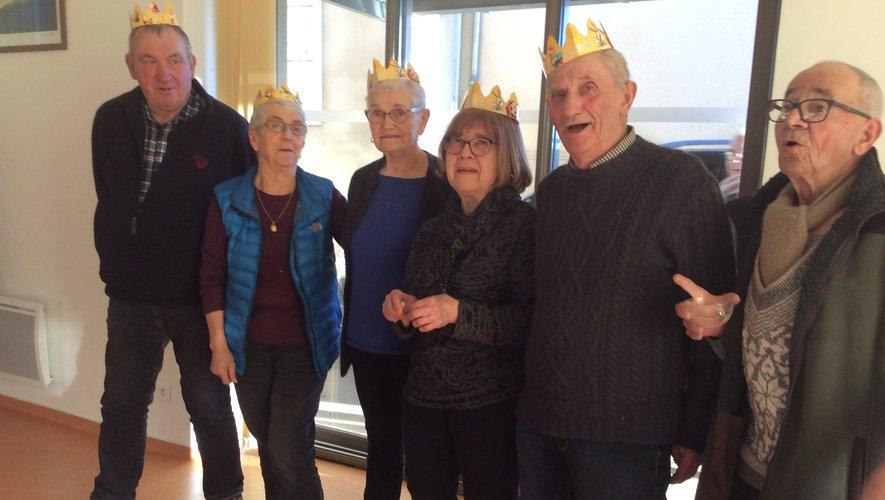 Rois et reines ont posépour la photo souvenir.