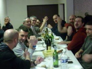 Le déjeuner aux tripous a attiré les gourmets.