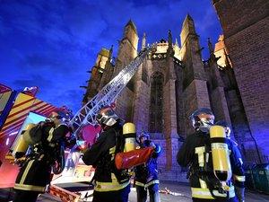 En plus des visites de terrain, les pompiers organisent régulièrement des exercices, comme ici en février 2017.