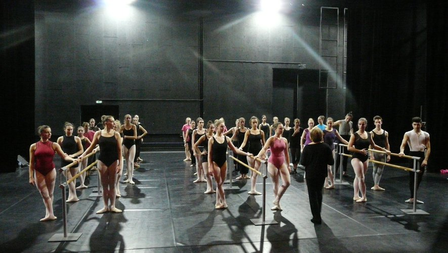 Un des stages de danses animés par Sylva Ricard.