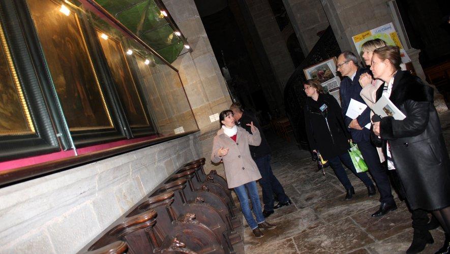 La visite à l'église Notre-Dame du célèbre Chemin de Croix, peint par Gustave Moreau./ Photo BHSP.