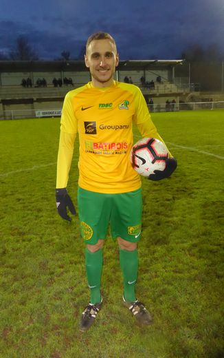 Damien Bastide, l'avant-centre luco-primaubois qui a inscrit 17 buts depuis le début  de la saison !