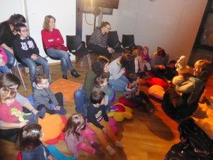 Les tout-petits enthousiasmés par les contes de Joëlle Anglade