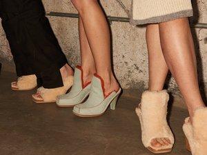 Les chaussures issues de la collaboration entre UGG et Eckhaus Latta.