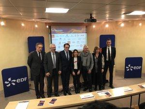 Pour l'Aveyron, le lancement du prix a eu lieu jeudi à la CCI de Rodez  en présence des partenaires d'EDF, dont le maire de Rodez.Pour l'Aveyron, le lancement du prix a eu lieu jeudi à la CCI de Rodez (Photo) en présence des partenaires d'EDF, dont le maire de Rodez.