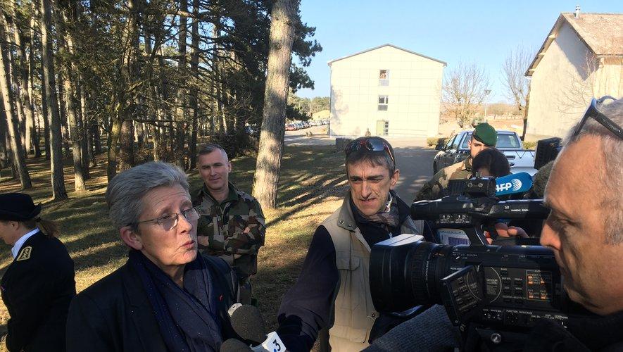 La secrétaire d'Etat aux Armées, Geneviève Darrieussecq, sur le Larzac.