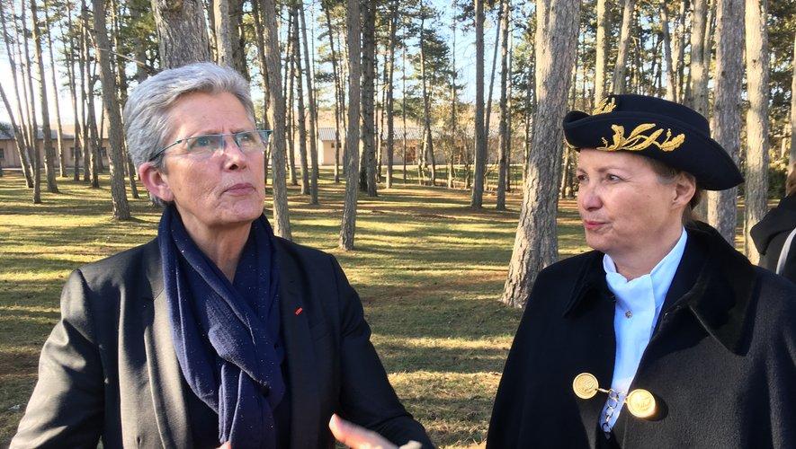 La secrétaire d'Etat aux Armées, Geneviève Darrieussecq, et la préfère Catherine de La Robertie.