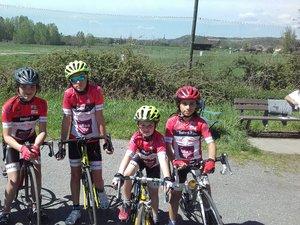 Une partie des jeunes de l'école de cyclisme.
