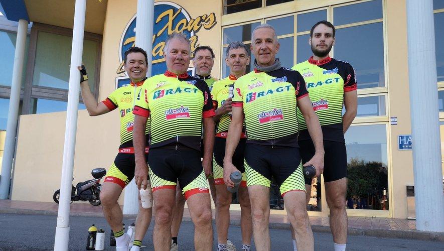 Le groupe de cyclos présents en Espagne (de gauche à droite) : Victor Santos, Christian Landié, Daniel Grimal, Joël Roualdès, Bernard Panissal et Sylvain Ginestet.