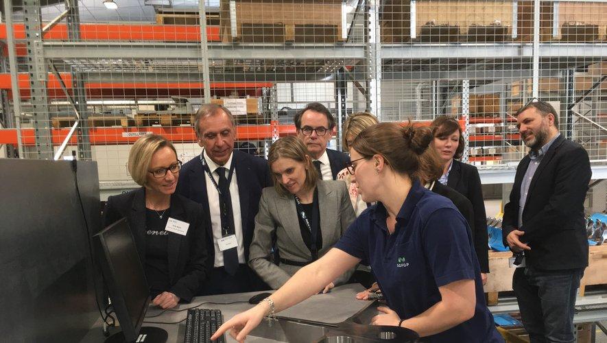 Après Bosch, la secrétaire d'Etat a visité les ateliers de Sofop.