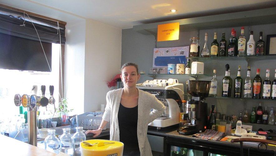 Le café du Faubourg tenupar Marion Fleury.