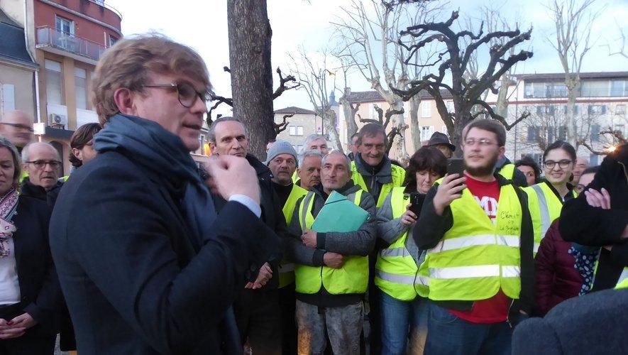 Le Ministre est allé au-devant des Gilets jaunes dans une ambiance tendue.