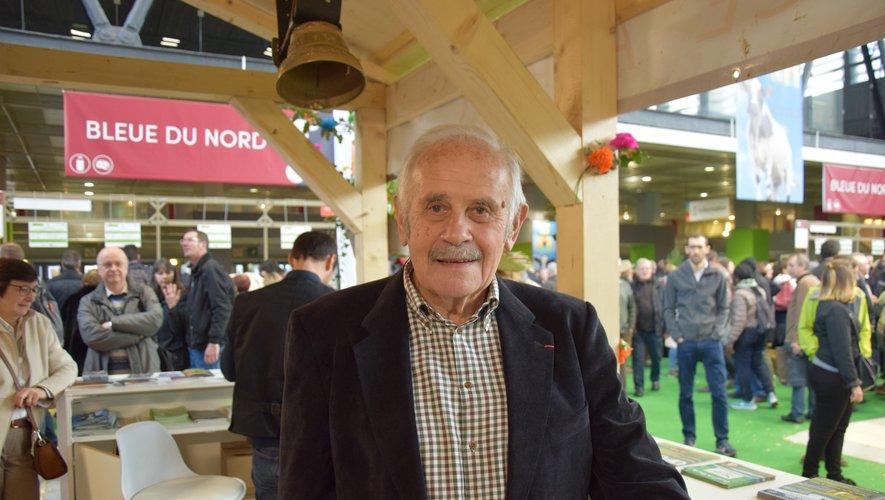 André Valadier, sur le stand de la race aubrac.