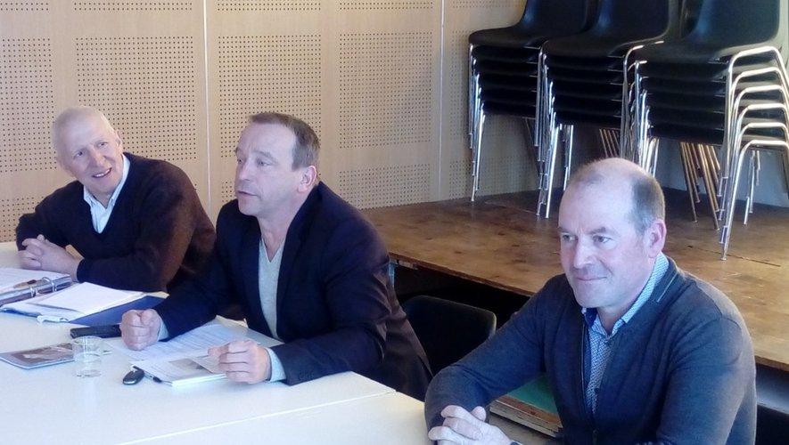Jean-Pierre Gaffier (IEO), Jérôme Vialaret, André At ( maire de Crespin).