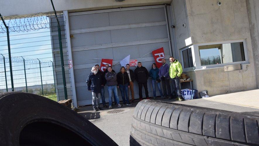 Dès 6h45 mardi matin, FO pénitentiaire et ses sympathisants ont bloqué l'accès à la maison d'arrêt.