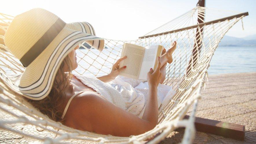 Plus de neuf Français sur dix (92%) ont lu au moins un livre, quel que soit son genre littéraire, au cours des 12 derniers mois.