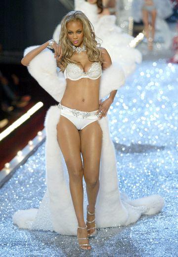 Tyra Banks pour Victoria's Secret en 2003.