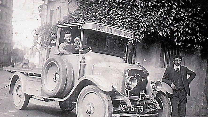 La camionnette des vins Nicolas.