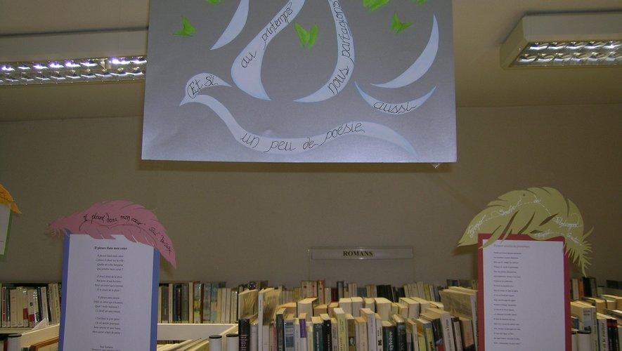 Zina a choisi des poèmes et les a ensuite illustrés.
