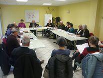 M. Maruéjouls (au centre) lors de l'assemblée générale de l'association.