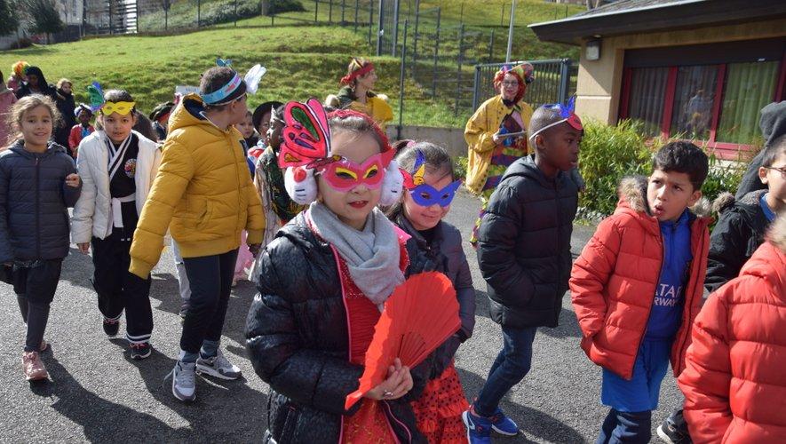 Plus d'une quarantaine d'enfants ont défilé dans le quartier Ramadier.