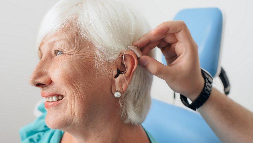 Zoom sur les aides auditives