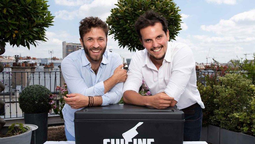 """Julien Duboué (à gauche) et Juan Arbelaez (à droite) aux commandes de """"Cuisine impossible"""""""