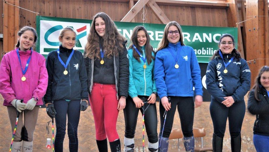L'équipe féminine du collège championne du Cantal.
