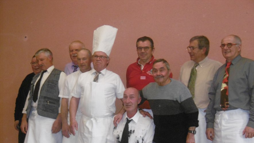 Cuisiniers et serveurs ont régaléles convives.