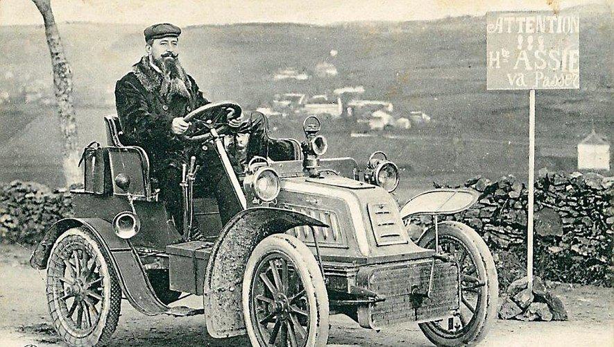 Hippolyte Assié,  tailleur-chemisier installé à Rodez au début du XX e siècle.