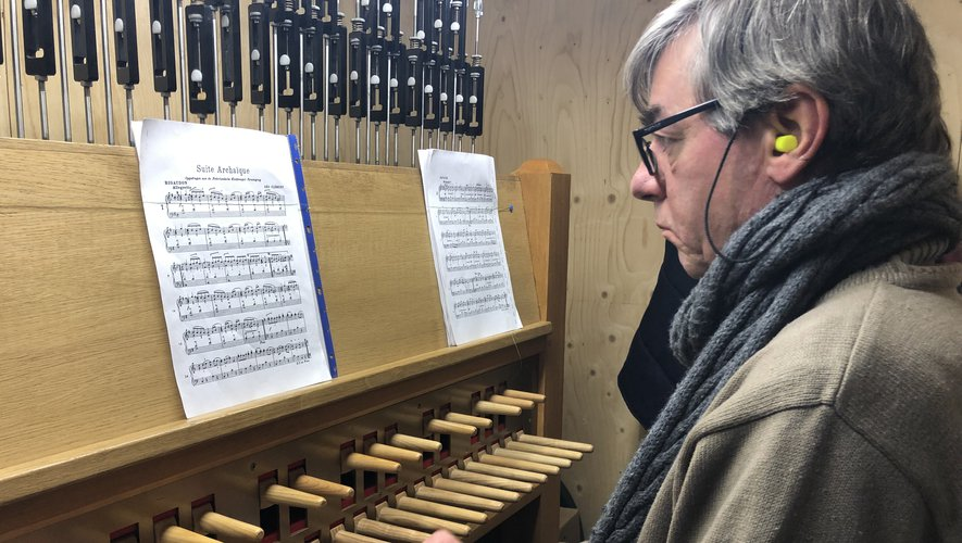 Le professeur Paul-Henri Mériau est titulaire du carillon de Villefranche-de-Rouergue.