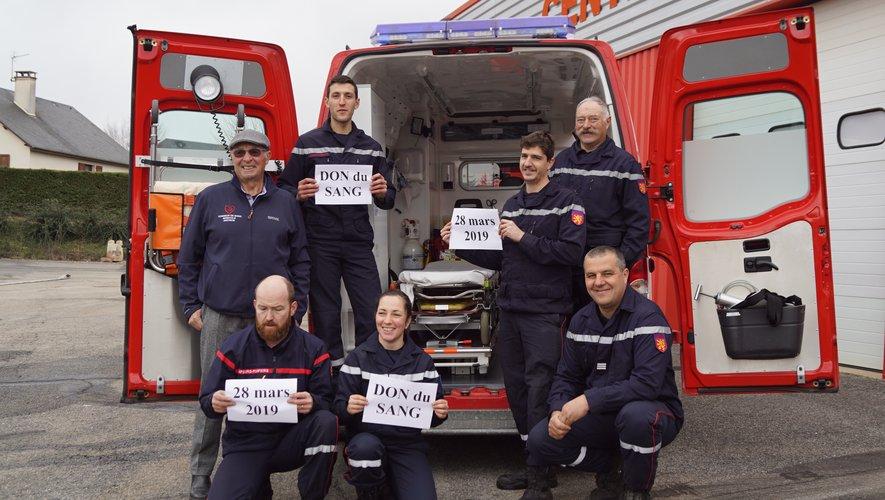 Les sapeurs-pompiers soutiennentle don du sang.