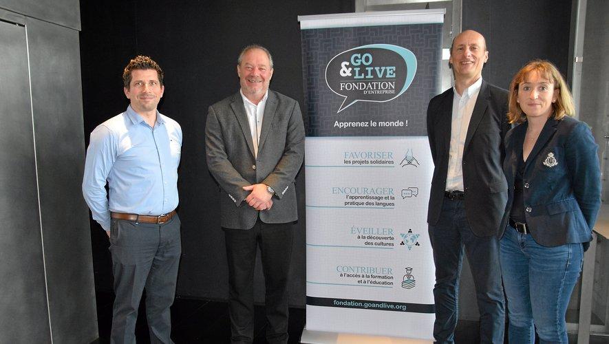 Jean Burdin, président du groupe (deuxième à gauche) et son équipe lors du lancement de la fondation.