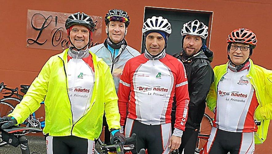 Les licenciés de l'Entente Cycliste ayant participé à la randonnée des 3 Clochers.